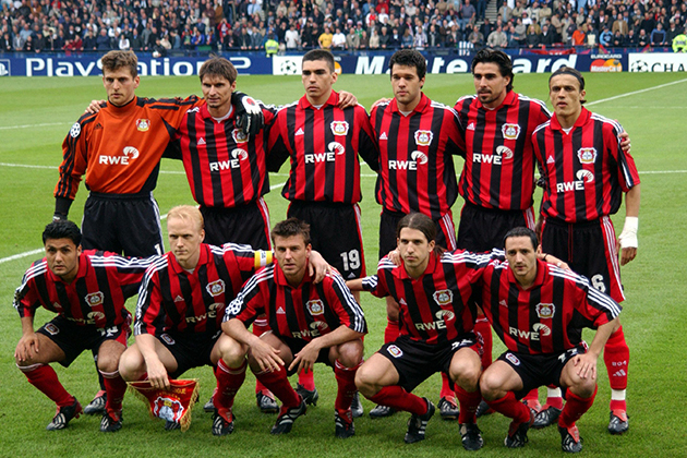 Bayer-Leverkusen-team-Champions-League-final-2002
